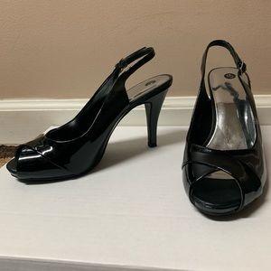 Black Heels w Strap
